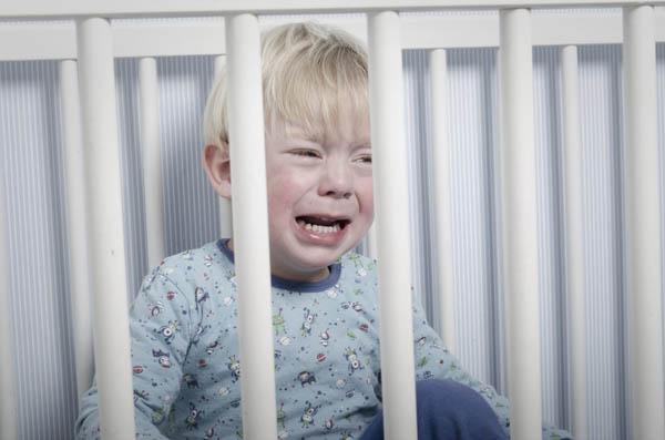плач ребенка от страха
