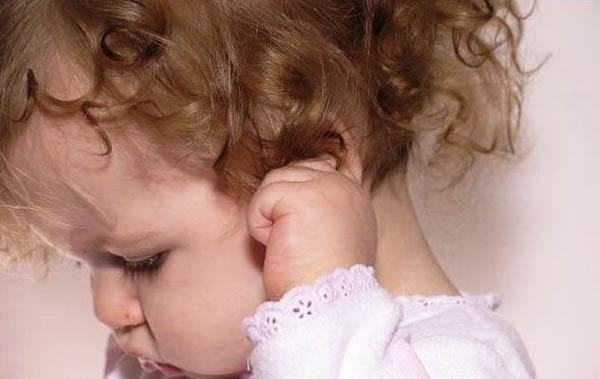 Материнство > Отит и высокая температура