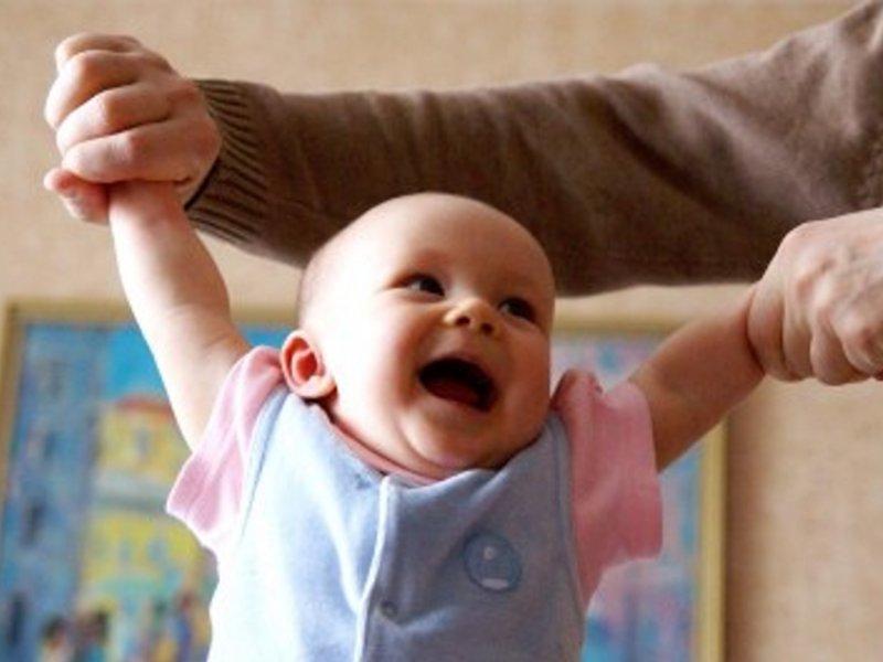 гимнастика для детей до года