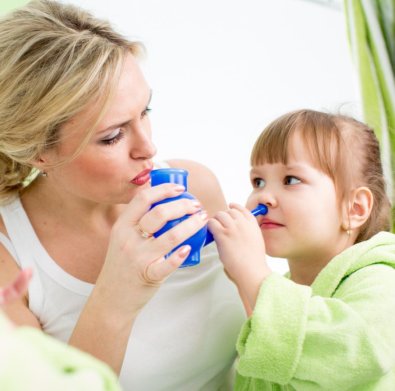как правильно промывать нос ребенку резиновым чайником
